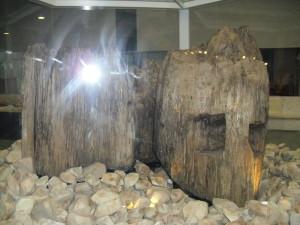 発掘された宇豆柱